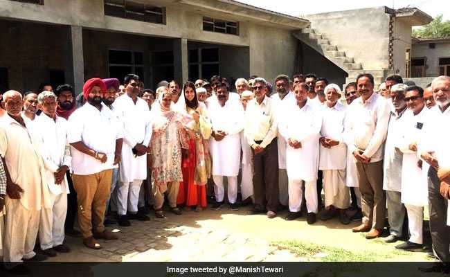 Elections 2019: Manish Tewari Tweets 'Proud Moment' Pic As Daughter Campaigns For Him