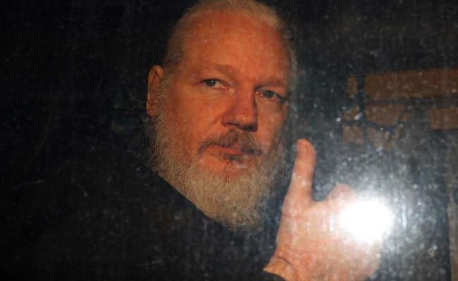 US Formally Asks Britain To Extradite Julian Assange