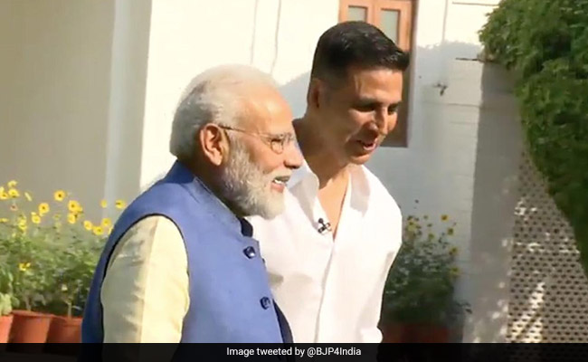 Image result for modi with akshay kumar
