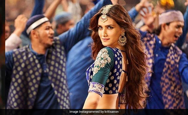 Kalank Song Aira Gaira Is Not 'Vulgar', Says Kriti Sanon Who Features In It