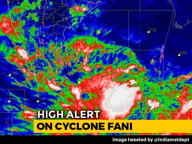 Video : Cyclone Fani May Intensify Further Today, Navy On High Alert