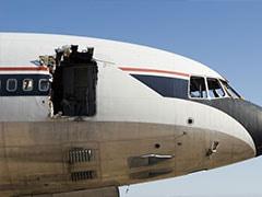 आज का इतिहास: उड़ते प्लेन में हुआ छेद, अंदर से ऐसे गिरने लगे थे लोग, भयावह था मंजर