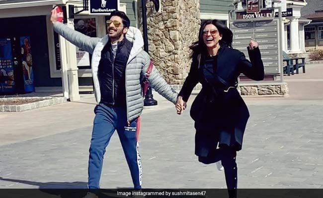 Sushmita Sen Or Boyfriend Rohman Shawl, Who Captioned This Mushy Pic Better?