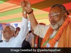 तेजस्वी यादव ने गिरिराज सिंह को चेताया, 'दलित-पिछड़े एकजुट हैं.. कॉलर पकड़ सारी ऐंठ निकाल देंगे'