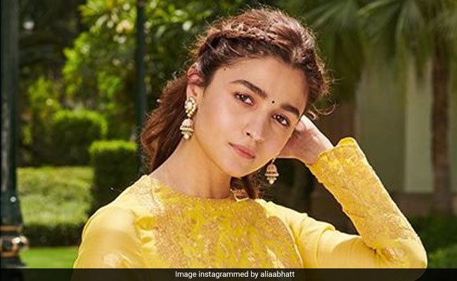 Alia Bhatt Hopes To Go To 'Hollywood Someday Soon'