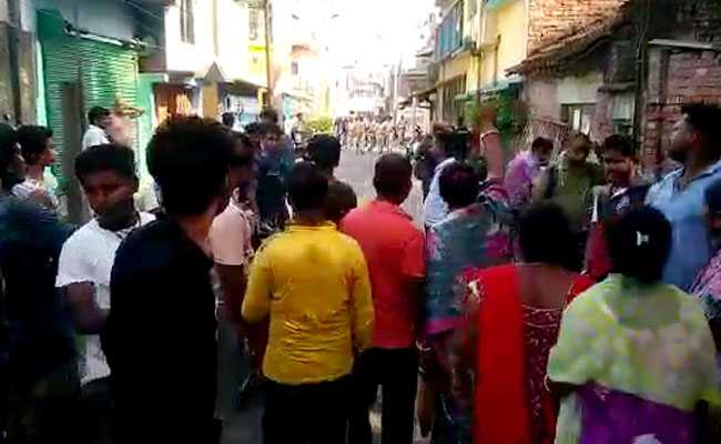 Violence In Bengal's Barrackpore Afer No-Confidence Vote Against BJP Leader