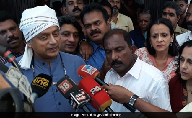 Election 2019: Shashi Tharoor Thanks Rajnath Singh For Phone Call After His Head Injury