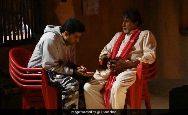 अमिताभ बच्चन ने अपने बेटे अभिषेक बच्चन के बारे में कहा कुछ ऐसा कि वायरल हो गया Tweet