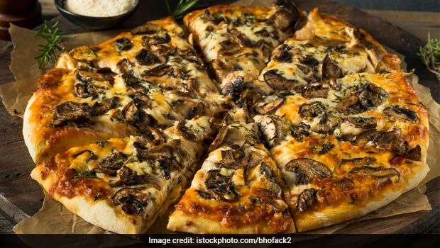 Pizza On A Weight Loss Diet? Here's A Keto-Friendly, Low-Carb Pizza That You Can Eat Guilt-Free