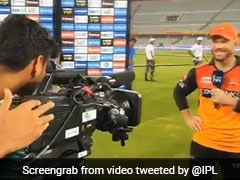 Bhuvneshwar Kumar Turns Cameraman; Help David Warner Record His Farewell Message