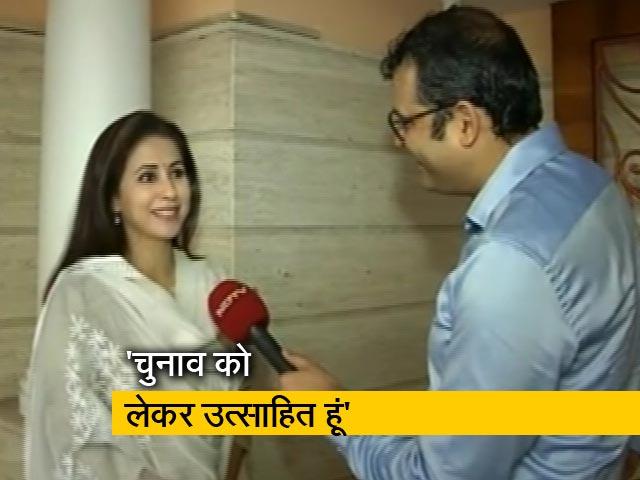 Videos : मेरे साथ मतदाताओं की भी आज परीक्षा : उर्मिला मातोंडकर