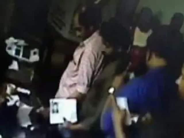 Video : কেরলে ছাপ্পা ভোট দিলেন তিন মহিলা