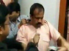 कानपुर के डॉक्टर ने बीजेपी दफ्तर में क्यों चलाया जूता, 14 कर्मचारियों के सुसाइड का क्या है मामला