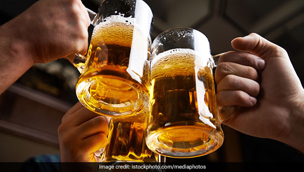 Beer and Socialization: Beer May Help Build A Strongly Tied Society, Suggests Study