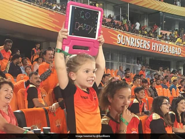 """""""Go Daddy"""": David Warner Gets Priceless Message From Daughter"""