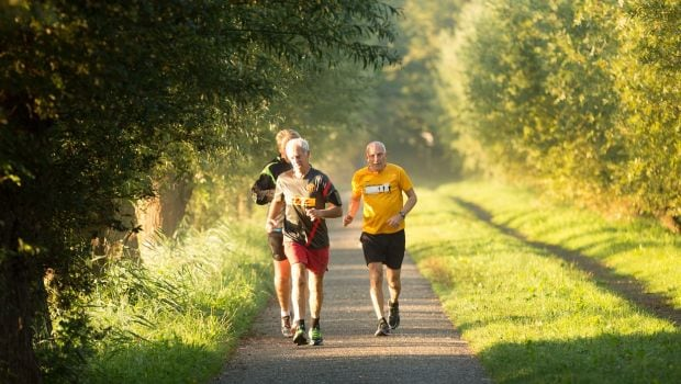 Healthy Diet Helps Physical Function In Older Men: Follow These Six Tips For A Fit Body