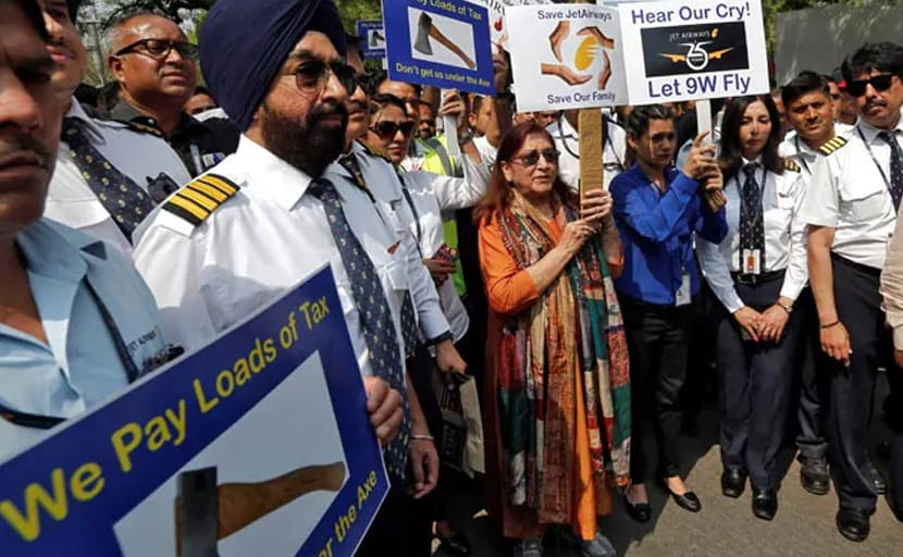 Air India Express mulls leasing some Jet Airways' Boeing 737 aircrafts
