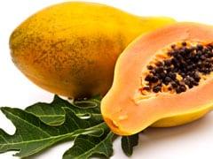 Papaya Leaf Juice: शुगर लेवल को कंट्रोल करने और बालों की ग्रोथ बढ़ाने में कमाल है पपीते के पत्ते का रस, जानें 5 फायदे!