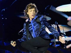 Mick Jagger Tweets He's 'On The Mend' After Reported Heart Surgery