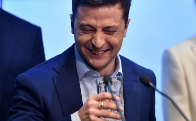 Ukraine's Zelenskiy sticks to criticism of Merkel, Macron in Trump call