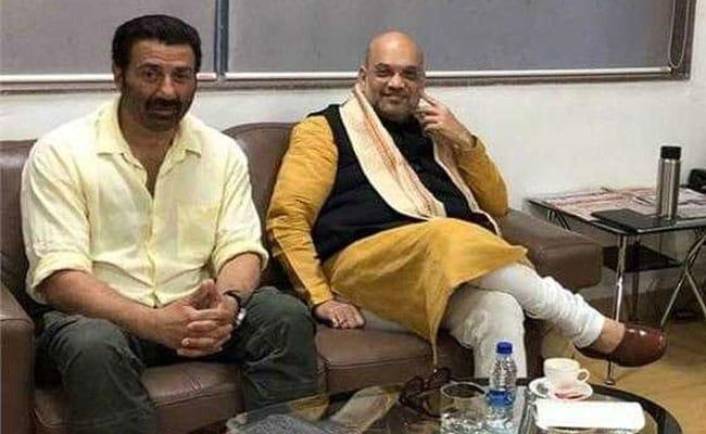 धर्मेंद्र-हेमा मालिनी के बाद क्या सनी देओल भी थामेंगे BJP का हाथ, अमित शाह संग Photo हुई वायरल