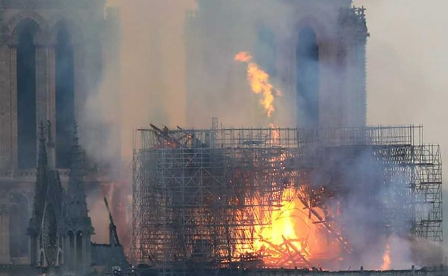 Netizens Convinced That Figure Of Jesus Christ Appeared In Notre Dame Fire