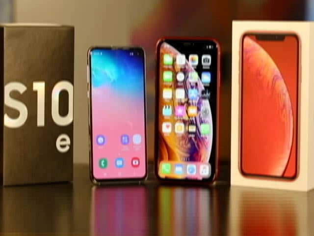 Video : Samsung Galaxy S10e vs Apple's iPhone XR: Battle of the Budget Flagships!