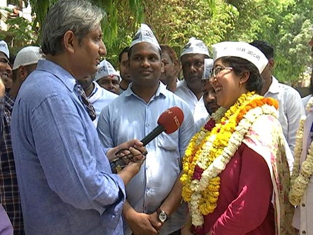 Video : AAP's East Delhi Candidate Atishi's Road Show With Ravish Kumar