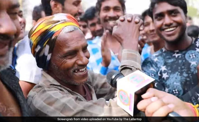 Watch: Bihar Labourer Impresses The Crowd By Talking In English