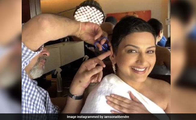 Sonali Bendre, Getting Her Hair Trimmed, Couldn't Stop Smiling. Watch Adorable Video