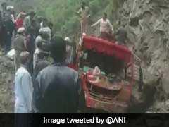 5 Killed, 9 Injured As Boulder Hits Bus After Landslide In Kashmir