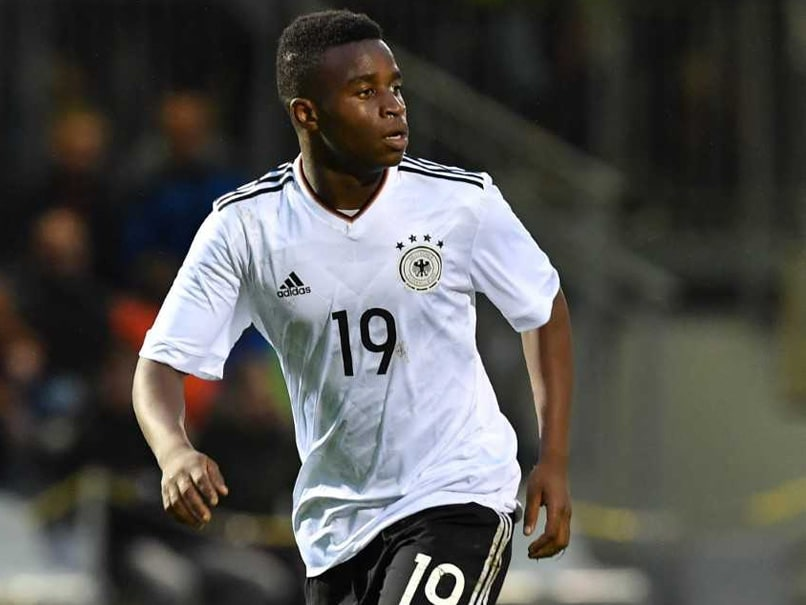 14 Years Old Striker From Borussia Dortmund Becomes A Millionaire