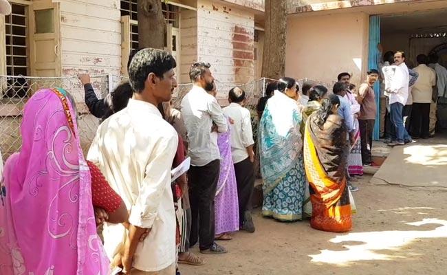 मध्य प्रदेश : मोदी का चेहरा और नई रणनीति, क्या बीजेपी बचा पाएगी अपनी सीटें