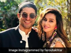 Farhan Akhtar And Shibani Dandekar Rock On With 'Smiles And Sunshine' In New Pic