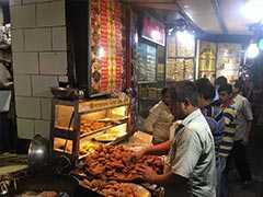 "Over ""<i>Chai And Pakodas</i>"", People In Kolkata Talk Politics, Jobs"