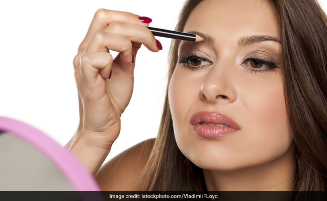 6 Amazing Makeup Products To Get Full, Thick Eyebrows