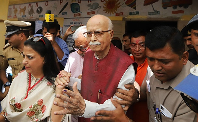 LK Advani, Not A Candidate For First Time In 20 Years, Votes In Ahmedabad