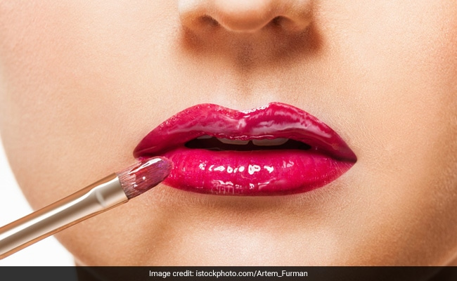 9 Makeup Picks To Get On Summer's Glossy Lips Trend