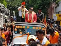 Ex-WWE Wrestler 'The Great Khali' Campaigns For BJP's Jadavpur Candidate Anupam Hazra