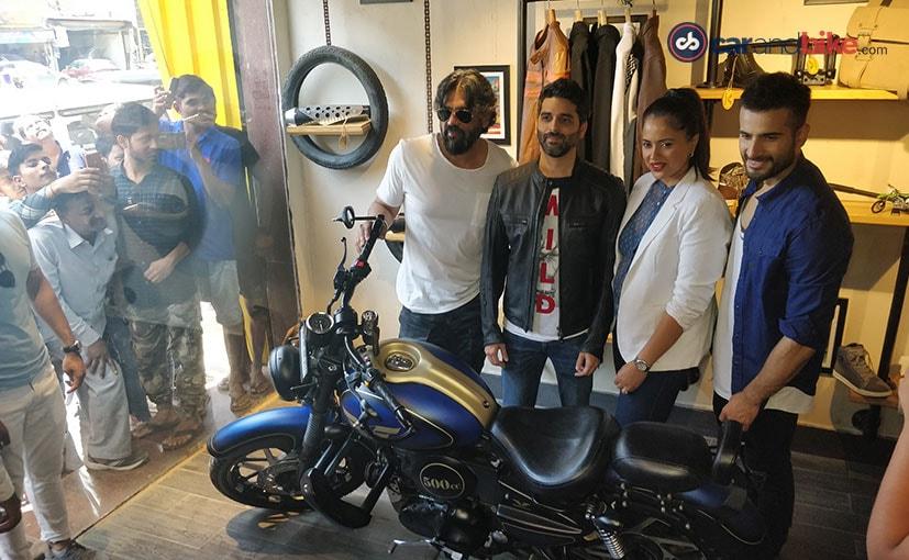 Founder Akshai Varde with actors Suniel Shetty, Sameera Reddy and Karan Tacker at the flagship store
