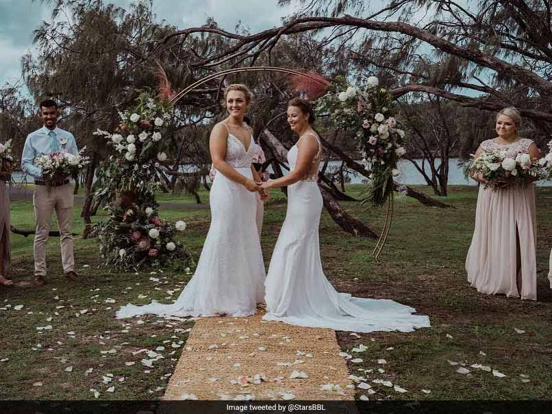 Two Women Cricketers From Australia, New Zealand Tie The Knot. See Pic