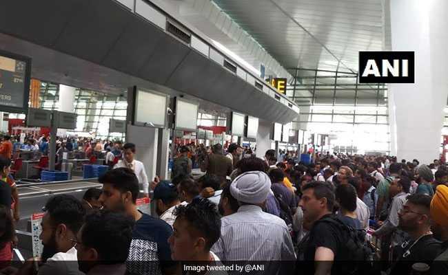 एयर इंडिया का सर्वर हुआ ठीक, चेक इन शुरू, भारत समेत दुनिया भर में हजारों यात्री एयरपोर्ट घंटों हुए परेशान