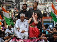 Priyanka Gandhi ,Congress ,Priyanka Gandhi news ,LokSabhaPolls2019,प्रियंका गांधी,कानपुर,रोड शो,बोलीं,इंदिरा,गांधी,काम