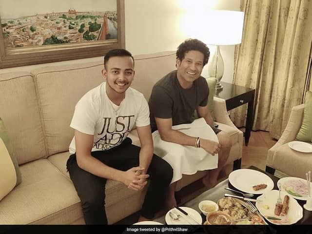 """""""Past Meets Future"""": Twitter Cant Keep Calm As Prithvi Shaw Dines With Sachin Tendulkar"""