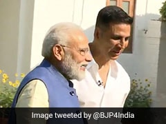 """Mamata <i>Didi</i> Still Sends Kurtas She Picks Every Year"": PM To Akshay Kumar"