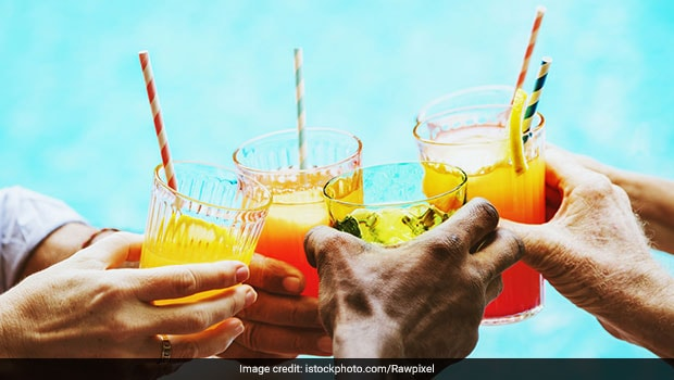 Hosting A Summer Soiree? 7 Refreshing Summer Mocktail Recipes That Are Sure To Delight Guests
