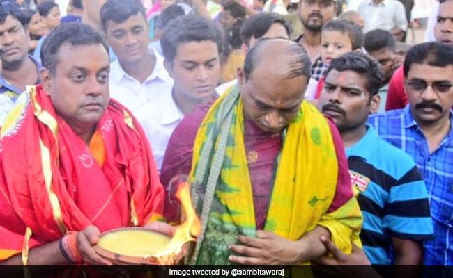 General Elections 2019: ''Hermit'' Sambit Patra Challenging BJD Heavyweight Pinaki Mishra In Puri