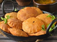 Watch: Make Urad Dal Puri (Bedmi Kachori) At Home For A Perfect Sunday Breakfast