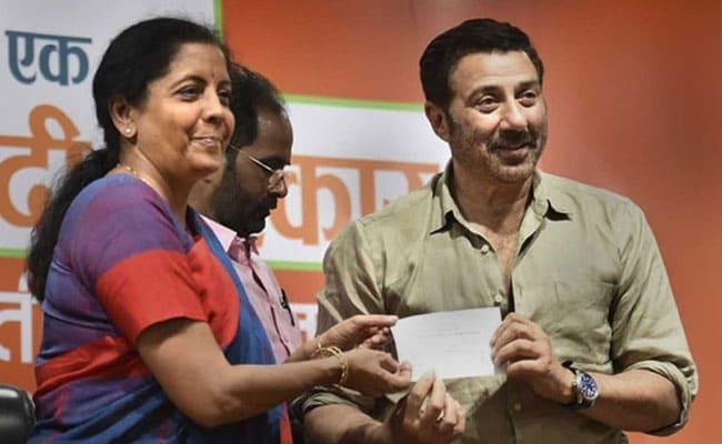 'Betrayed': Vinod Khanna's Wife Upset Over Sunny Deol's Nomination