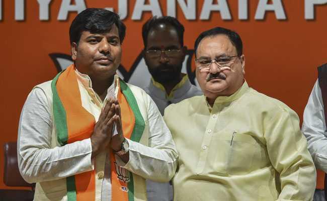pravin nishad joins BJP के लिए इमेज परिणाम
